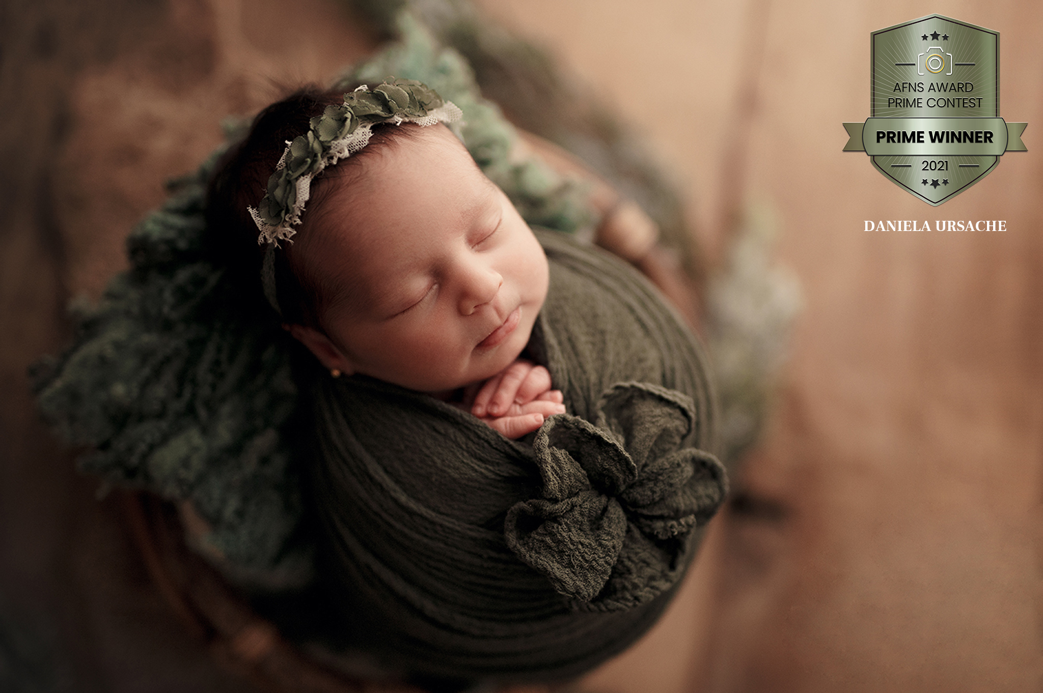 DanielaUrsache Newborn Photography