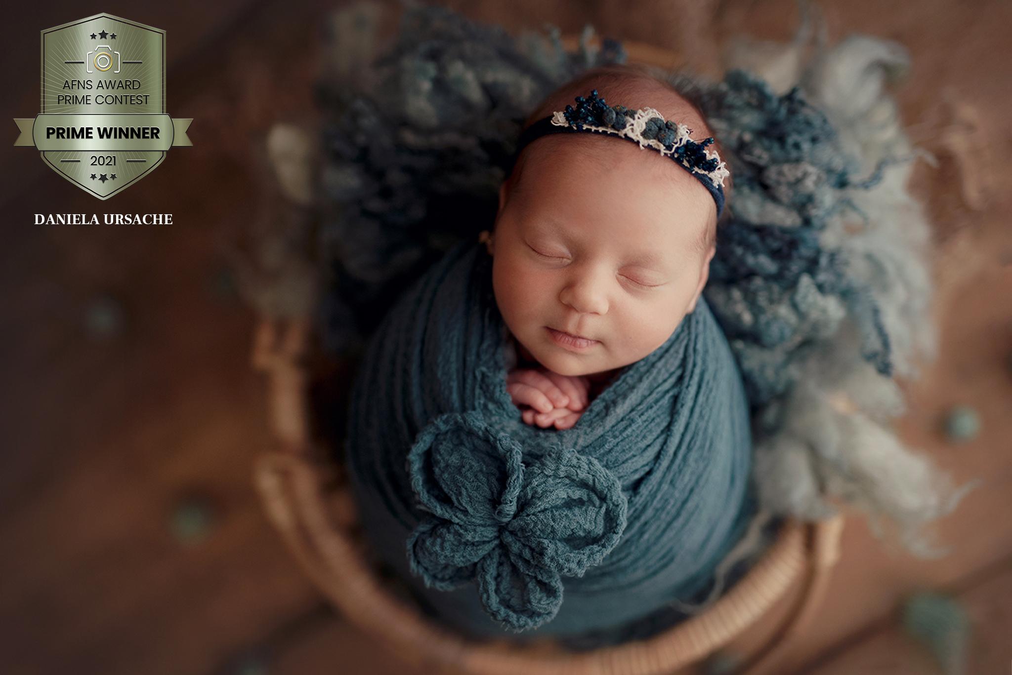 DanielaUrsache Newborn Photographer